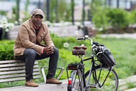 Shawn Drayton and Velorbis bike on high line