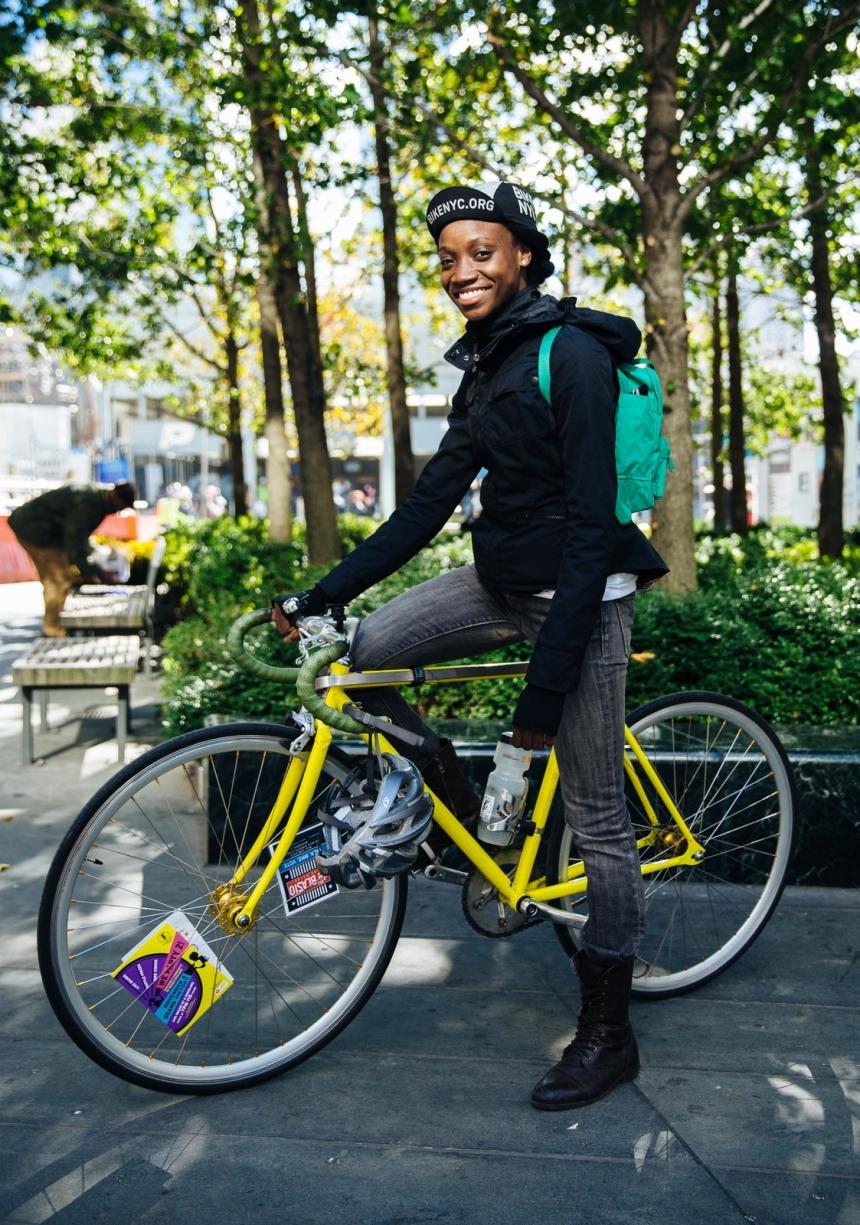 Laura Solís bike portrait new york